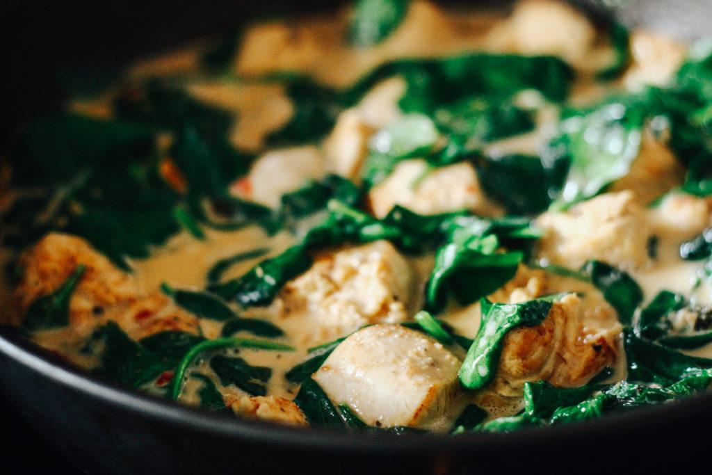Rezept für ein Zitronengras-Hühnchen-Curry - Kochen