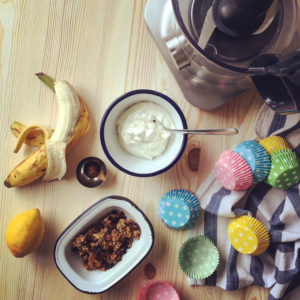 Zutaten Frozen Joghurt Snacks mit Banane und Granola