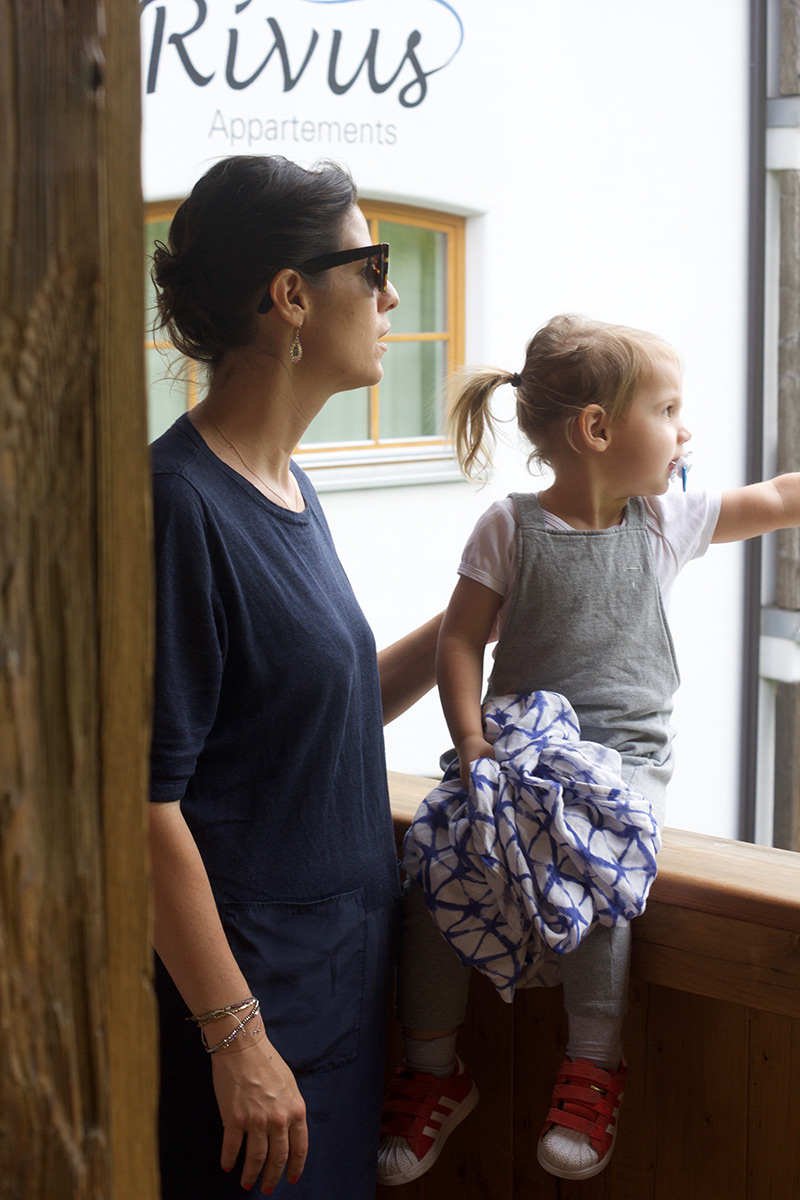 das-rivus-salon-mama-balkon-chalet