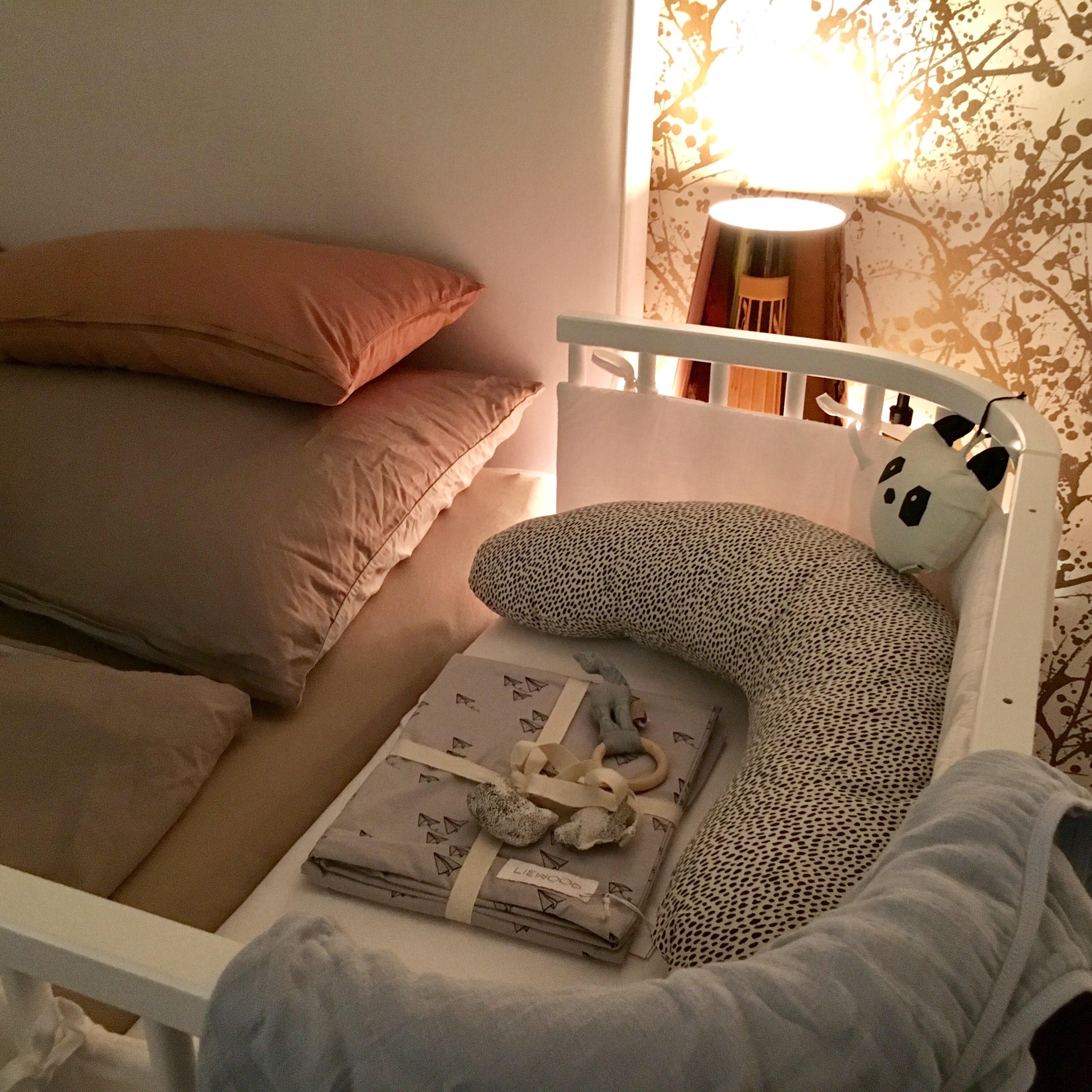 babybay das praktische beistellbett f r die ersten monate. Black Bedroom Furniture Sets. Home Design Ideas