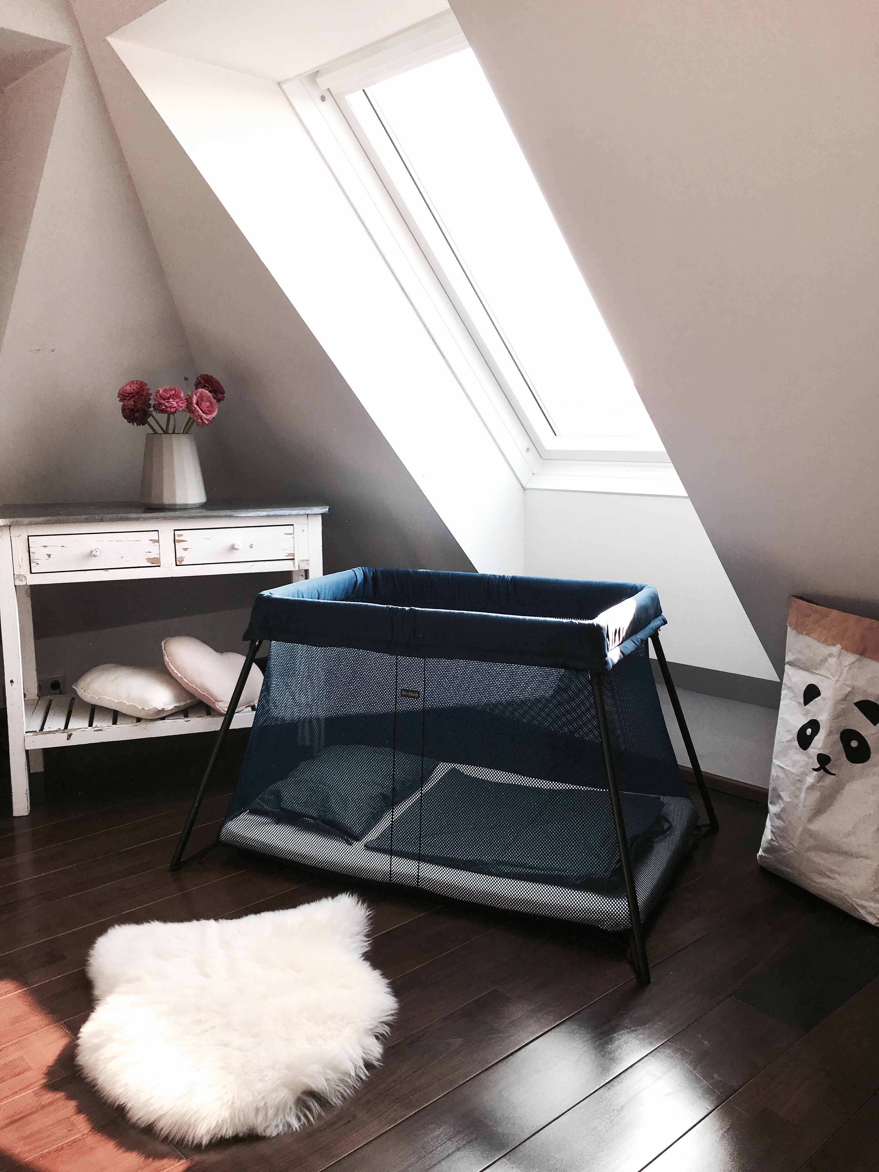 babybj rn reisebett light das perfekte babybett f r reiselustige eltern. Black Bedroom Furniture Sets. Home Design Ideas