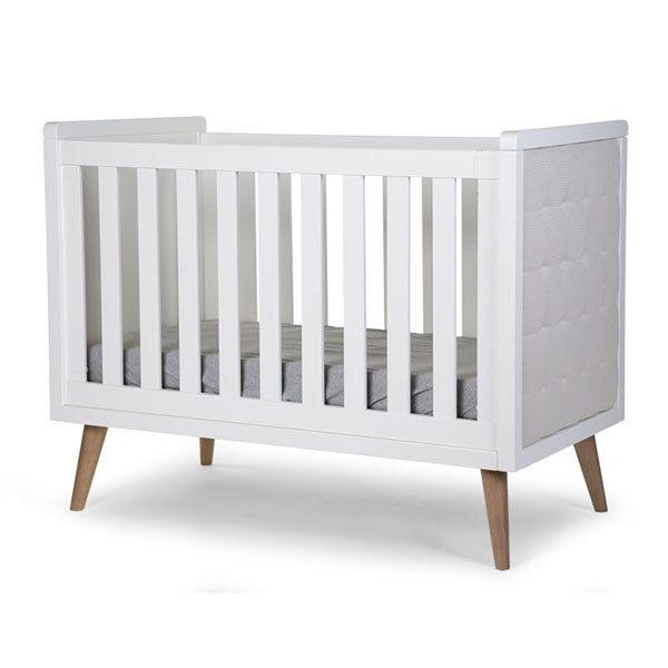 Kinderbett im Retrolook von Harmony Ambiente